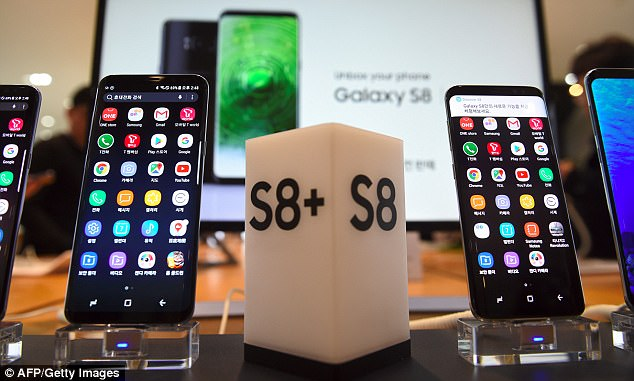Consumer Reports has released its smartphone ratings analysis, which had found Galaxy S8+ (left) best handset on the market, followed shortly after by its smaller counterpart, the Galaxy S8 (right)