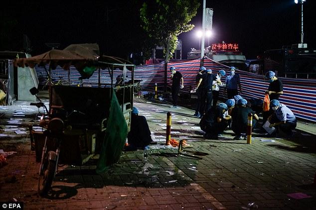 Devastación: La explosión se produjo a las 16:50 el jueves en Chuangxin Kinder