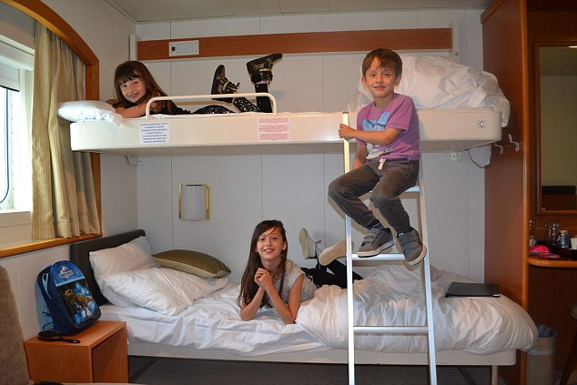 It was the cabin bunk beds Sarah's trio been looking forward to the most!