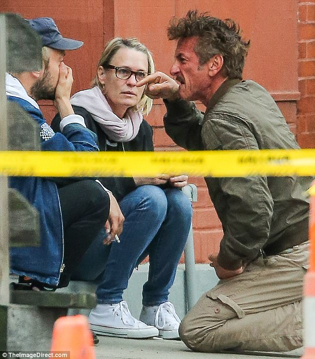 Image Result For Sean Penn And Robin Wright In Emotional Exchange Celebrity News