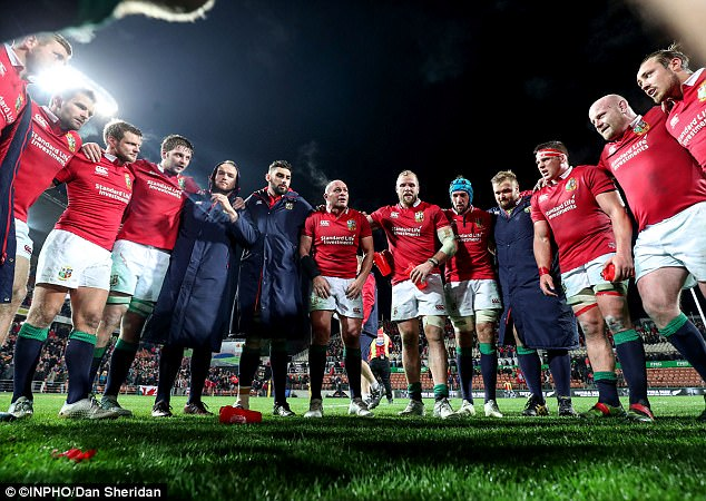 Rory Best speaks to his team-mates after captaining them to a convincing win on Tuesday