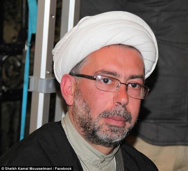 Australia's most senior Shia cleric Sheikh Kamal Mousselmani presided over hijab cerremony