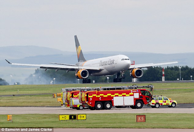A Thomas Cook plane heading to Cuba has been forced to turn back and land in Manchester with a broken wing after a low oil alert
