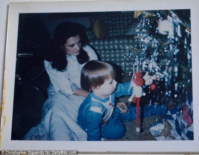 """Le fils de Patricia et créateur de l'émission de téléréalité, Whitney Sudler-Smith (photographiée à l'âge de deux ans) a demandé à sa mère de figurer dans la nouvelle série Bravo. Il lui a dit que ce serait """"cinq minutes"""". prendre leur temps"""