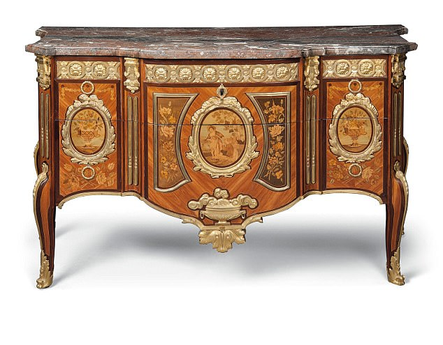 A Louis XVI Commode has a price tag of £90,00. It is one of Raine's most loved items