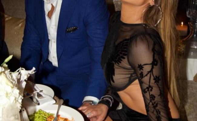 Alex Rodriguez Presents Jennifer Lopez With Birthday Treat