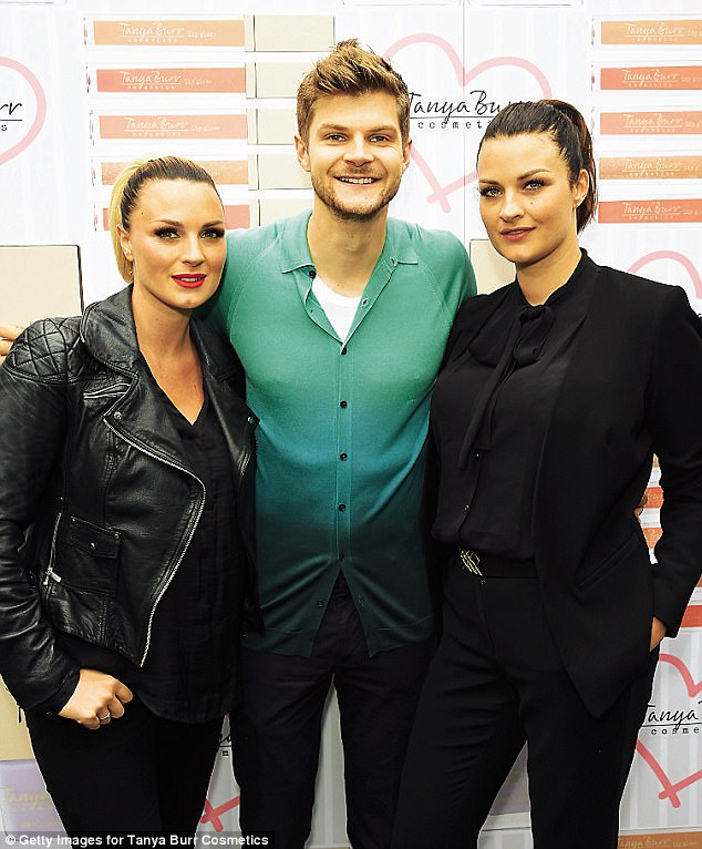 Nic (left) with her brother Jim and sister Sam