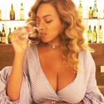 Beyonce Show Off Cleavage From Date Night With Jay Z