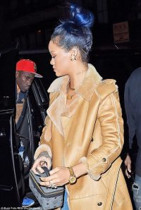 Rihanna debuts edgy new turquoise blue hair colour | Daily ...