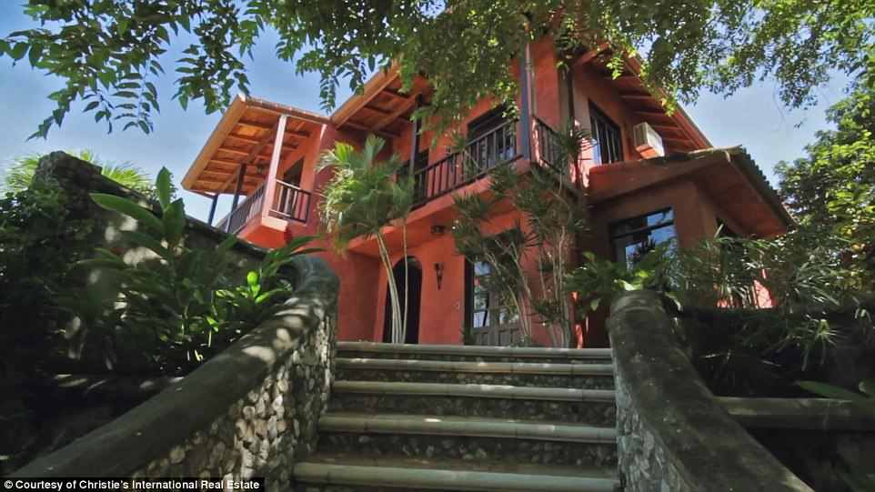 Mel Gibsons Costa Rican jungle mansion for sale  Daily