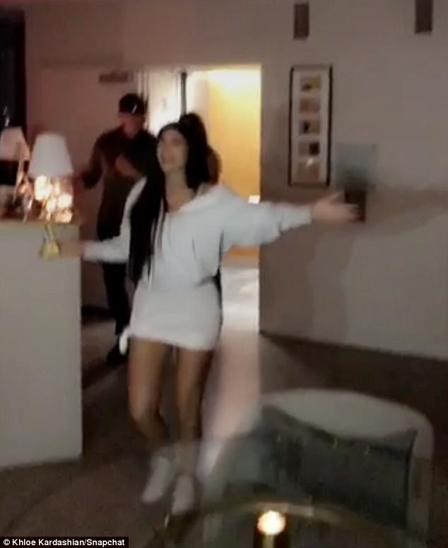 Birthday girl has arrived!Kylie arrived to the surprise party after the concert at downtown Los Angeles' STAPLES Center, where she was greeted with birthday wishes from her family
