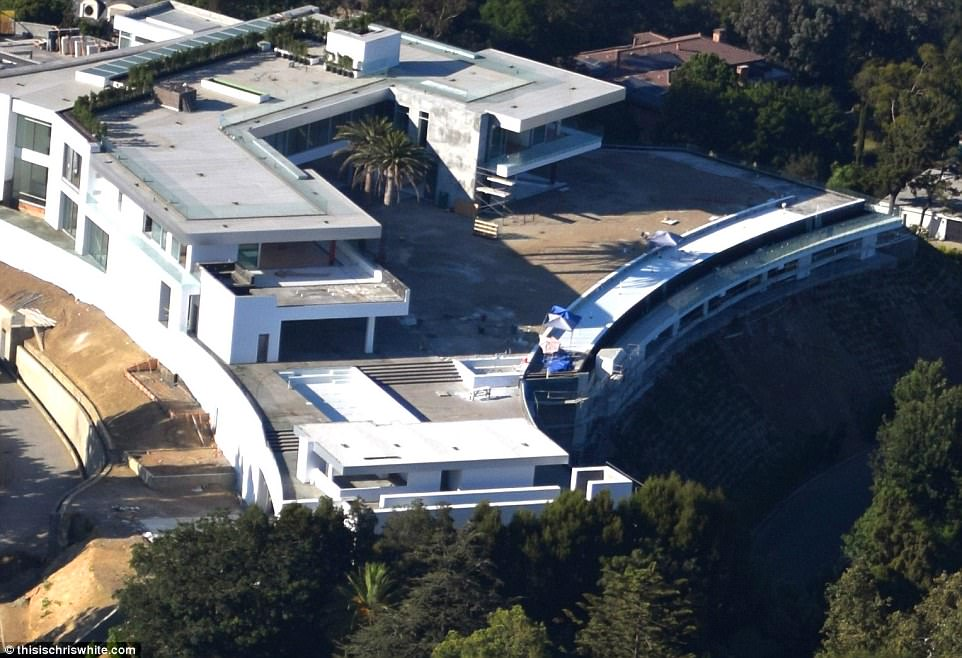This 500 Million LA Gigamansion Has 20 Bedrooms Daily