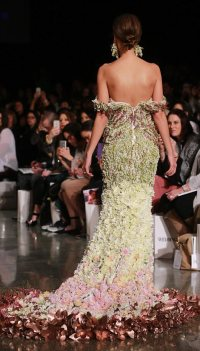 Trish Peng debuts gown made of flowers at NZ Fashion Week ...