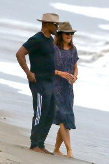 Jamie Foxx and Katie Holmes Beach