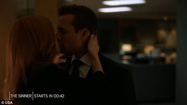 Summer finale: Donna suddenly kissed Harvey as the summer finale came to an end
