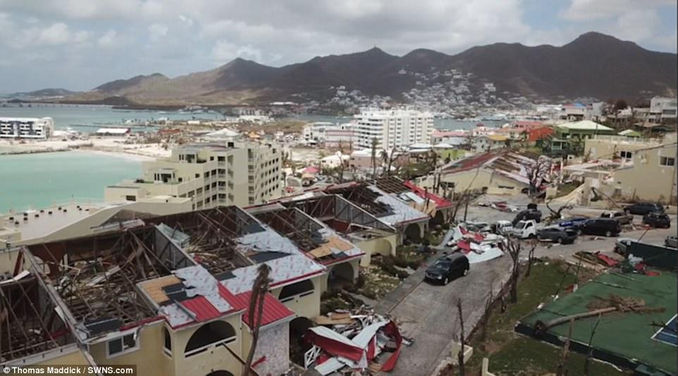 dramatic footage of hurricane