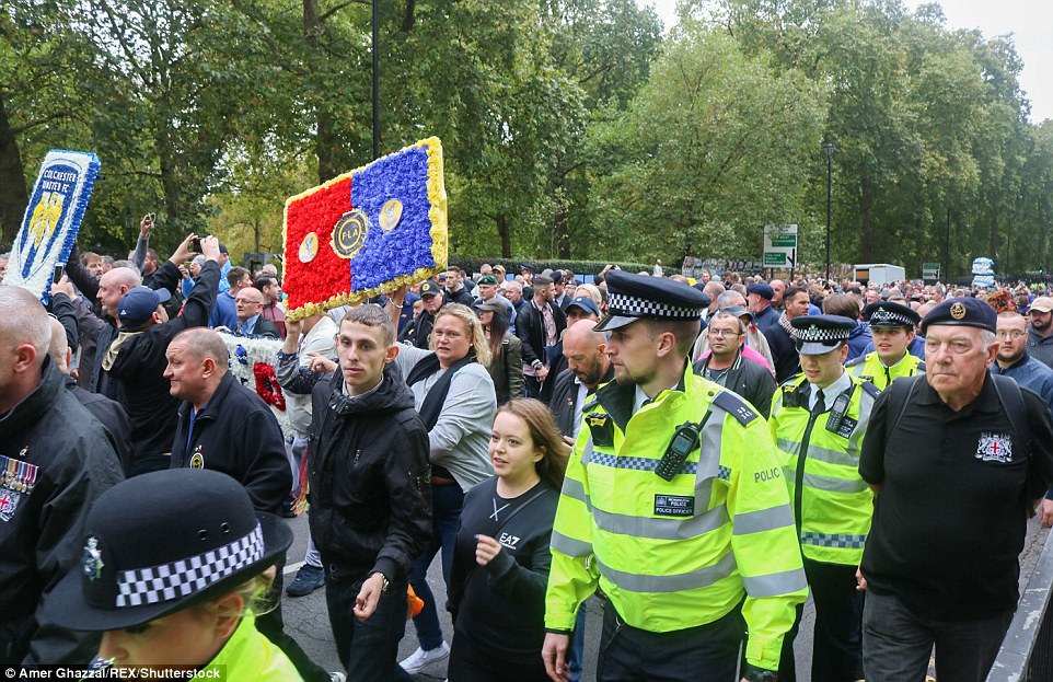 The demonstration attracted army veterans who joined thousands of others to march through London in opposition to extremsim