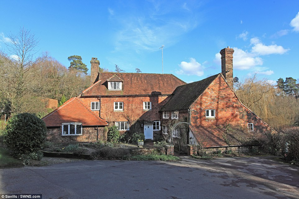 Home Of Winnie The Pooh Author Sold For 2m Daily Mail