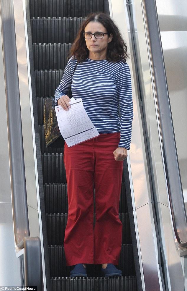 Julia Louis Dreyfus Seen First Time Since Cancer Reveal