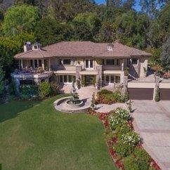 Barbie Gourmet Kitchen White Bench Kris Jenner's Fake Mansion On Kuwtk Hits The Market ...