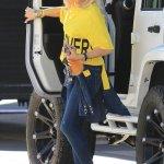 Cool Mom: Gwen Stefani's Chic Style In LA