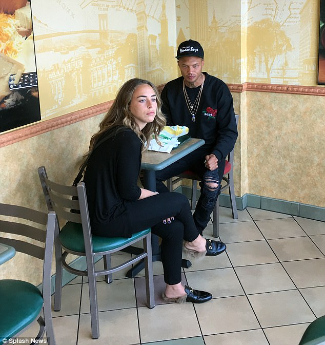 Topshop Heiress Chloe Green And Jeremy Meeks Go To Subway Daily Mail Online