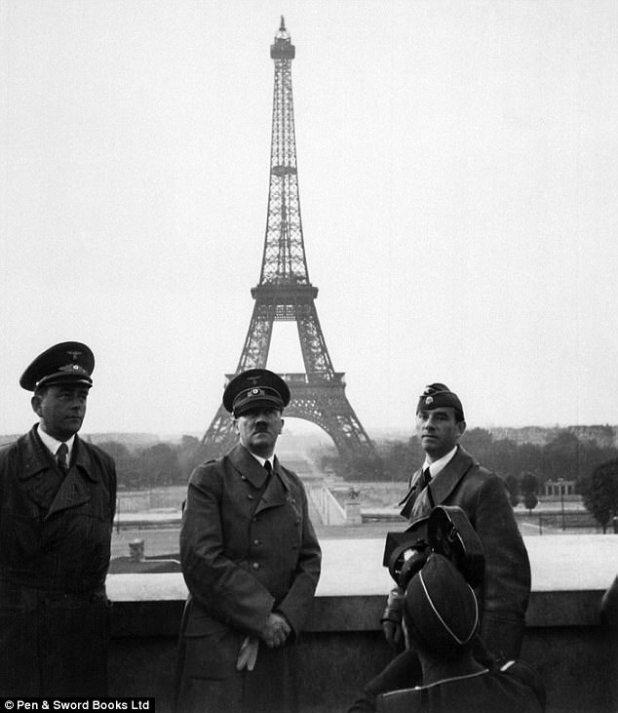 Quando as forças alemãs chegaram à França em maio de 1940, a França assinou um armistício de rendição que dividia a cidade - com Paris e a parte norte da França agora ocupada pelos nazistas. Coco Chanel aproveitou a arianização nazista de empresas de propriedade judaicas