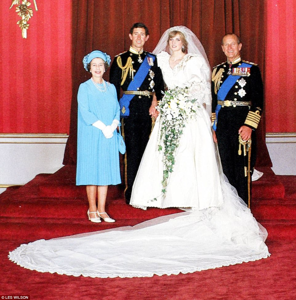 Queen Elizabeth and Philips platinum anniversary romance  Daily Mail Online