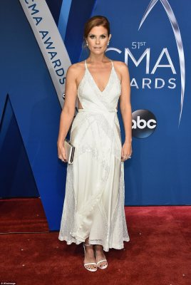 White hot! JoAnna Garcia cut a heavenly figure in her white lace gown