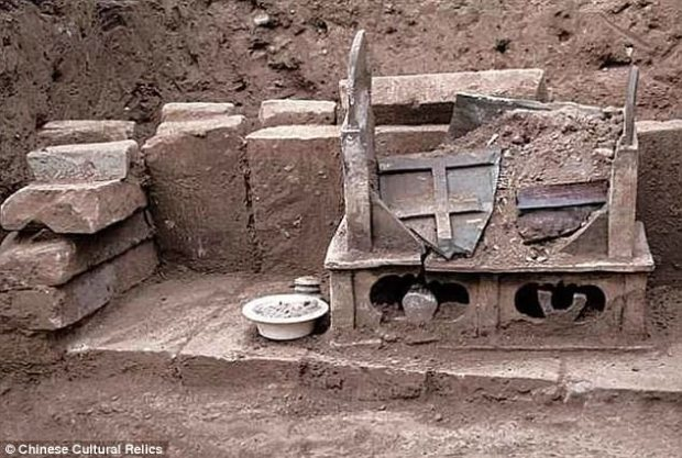 A discovery found hidden inside a 1,000-year-old Chinese chest could help archaeologists reach enlightenment. Human remains buried by a pair of monks over a millennia ago are claimed to belong to the Buddha