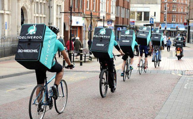 Now Deliveroo Will Bring Your Takeaway Dinner To The Pub
