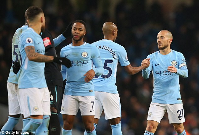 Man City beat West Ham to restore their eight point lead at the top of the table