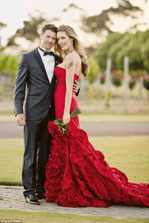 Tara Moss celebrates her eighth wedding anniversary