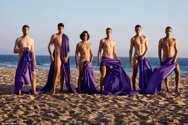 Warwick Rowers dice que su calendario de caridad desnudo ha sido prohibido en Rusia bajo las leyes de 'propaganda gay' del país