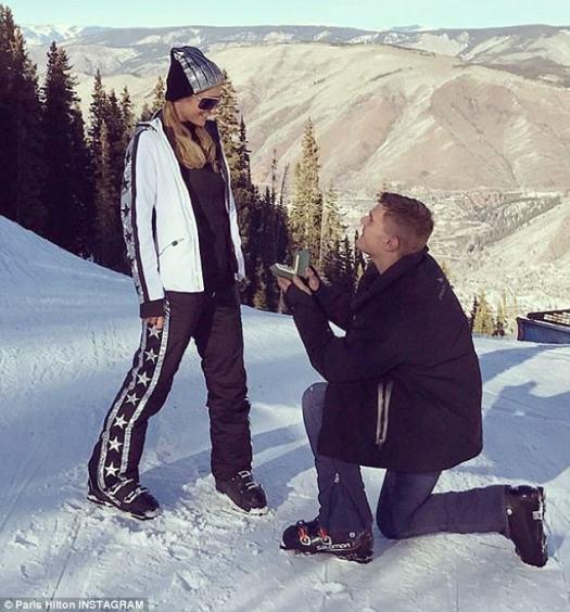 """""""Nunca me he sentido tan feliz"""": Paris Hilton está comprometida con su novio Chris Zylka después de una propuesta nevada en Aspen, Colorado"""