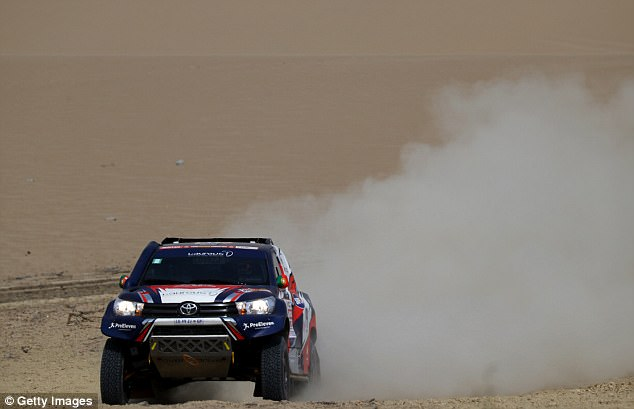 The former Chelsea boss took hisToyota Overdrive car through the sand dunes of Lima, Peru