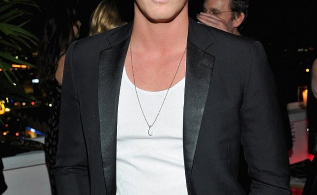 Cody Simpson Is Mobbed By Fans At Hollywood Party Daily