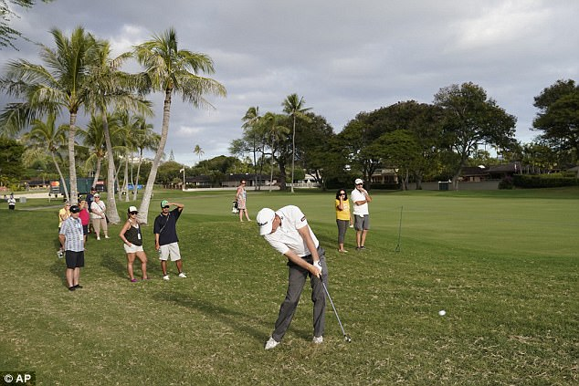 Hogeleapfrogged fellow American Brian Harman to take a one-shot lead into the final day