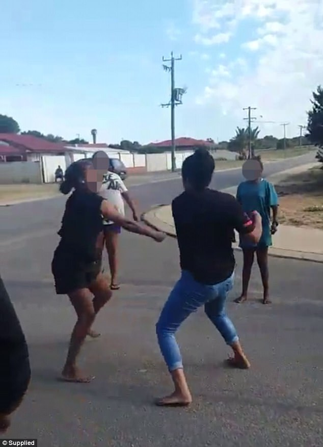 A violent clash between a large group of Aboriginal women has filled the streets in Geraldton, Western Australia