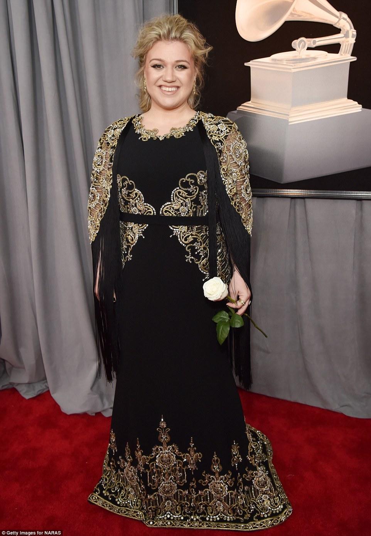 Grammys 2018 Lady Gaga Leads Stars Wearing White Roses
