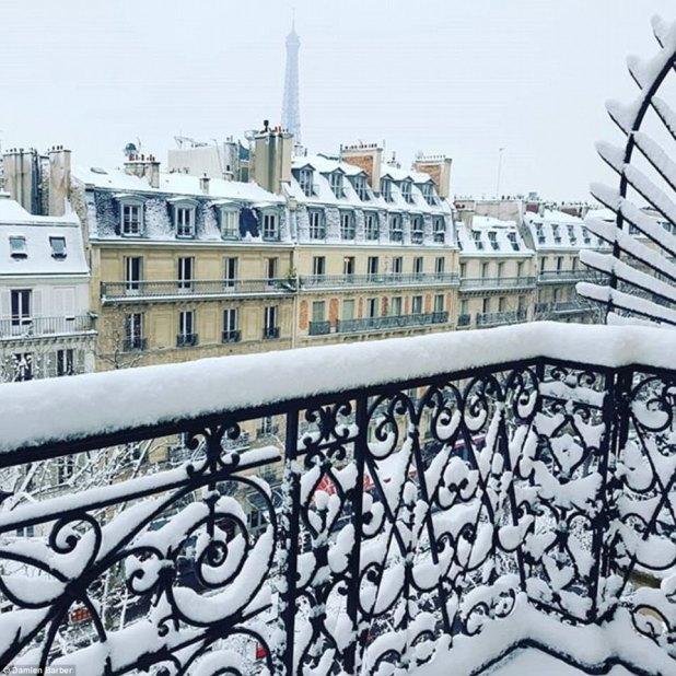 Bonita vista: un parisino ha tomado una foto de la vista desde su balcón en la ciudad