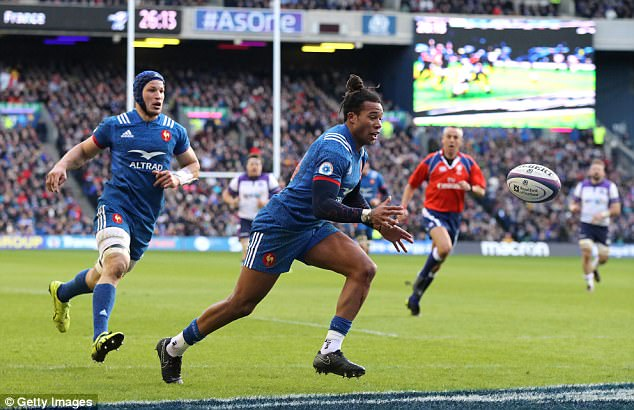 Two first-half tries from Teddy Thomas had given France a good start before they fell to defeat