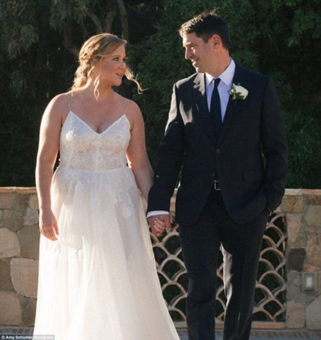They did it!They have only been dating for a few months but have already tied the knot. On Tuesday, Amy Schumer married farmer-turned-chef Chris Fischer