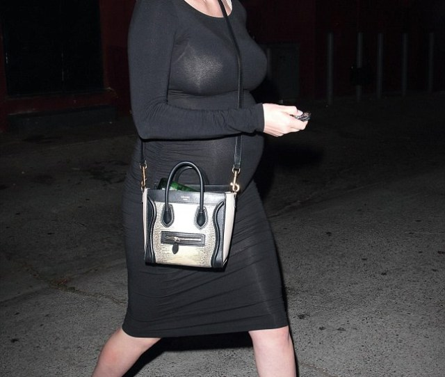 Looking Gorgeous Kate Upton Flaunted Her Growing Baby Bump In A Skintight Black Dress While