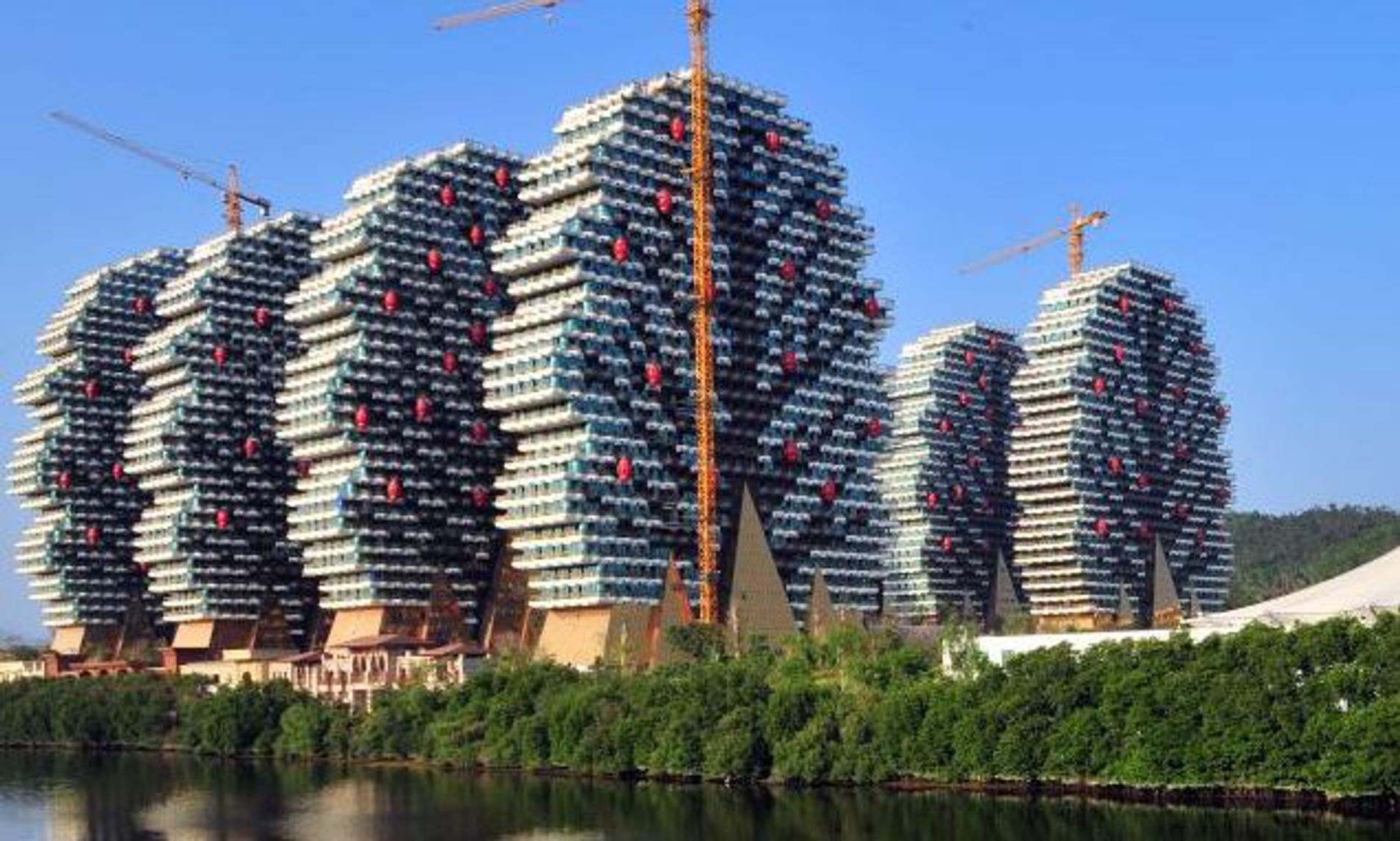 China S Lego Hotel The 7 Star Bloc That Resembles The