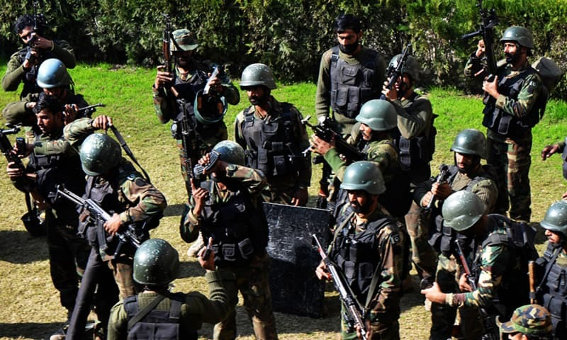 Army men take part in a search operation at Bacha Khan University. ─ AFP/File