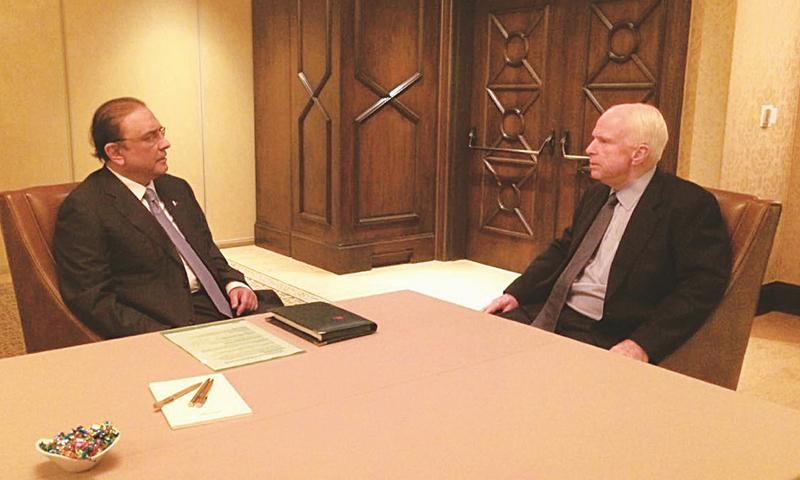 LOS ANGELES: Former president Asif Ali Zardari meets US Senator John McCain on Friday.—INP