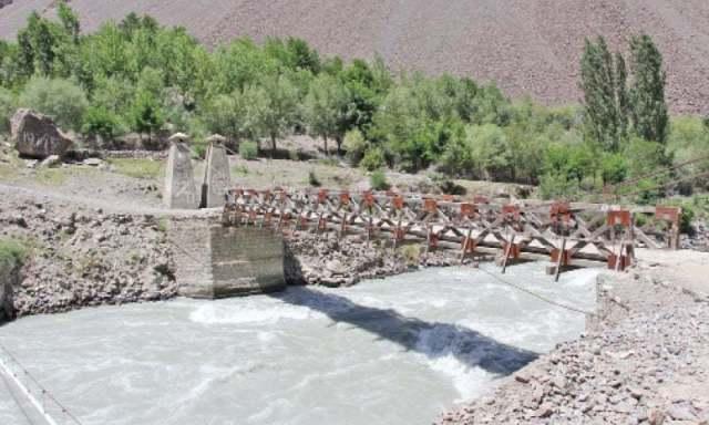A view of the resilient Shahdas bridge. —Dawn