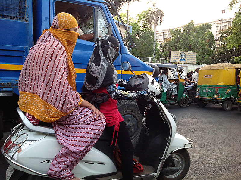 There are many bike accessories available only for women, like full-sleeved gloves to protect the arms from the sun and dust.