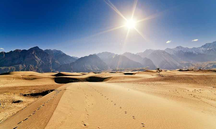 Katpana sand dunes in the morning. — S.M.Bukhari